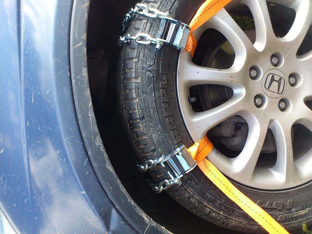 Зубастые колёса: использование цепей противоскольжения