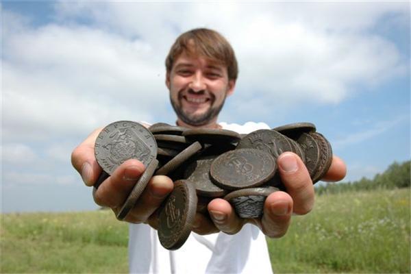 Клад десятков 217 штук 10 копеек «Сибирь» 1766-1780 гг. Найден металлодетекторм Explorer SE.