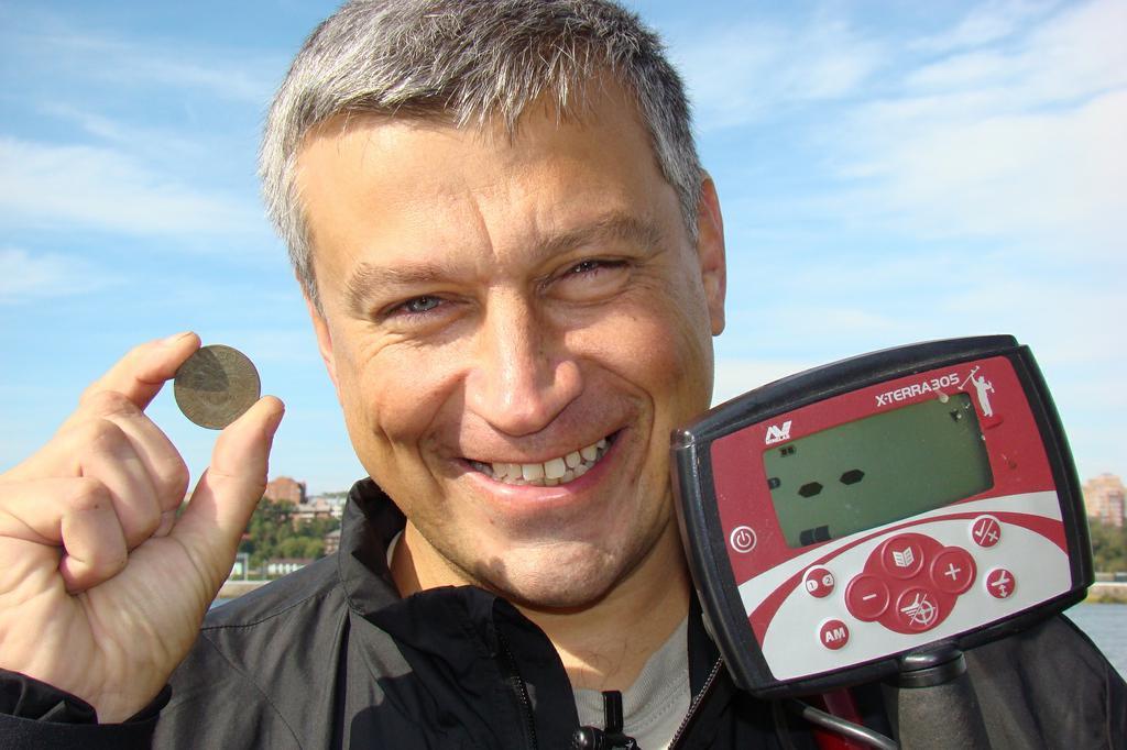 Речной поиск в черте города Находка кладоискателя редкая Сибирская монета