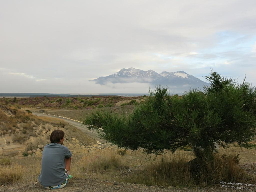 2-15 Самая большая гора НЗ с белоснежной снежной шапкой Tongariro высота 2797 метра