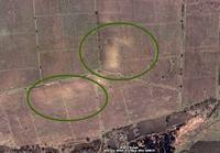 На снимке видны улицы. Поиск клада и старых деревень черех спутник через Googl.